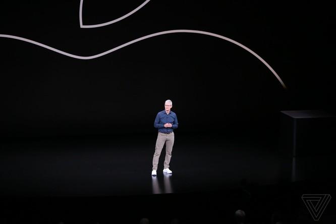 Bộ 3 iPhone 2018 đã ra mắt: không có nhiều khác biệt với tin đồn, nhiều màu sắc, giá khởi điểm từ 749 USD ảnh 77