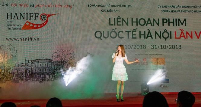 """Chương trình chiếu phim ngoài trời """"nóng"""" với """"Cô Ba Sài Gòn"""" và đạo diễn Ngô Thanh Vân ảnh 4"""