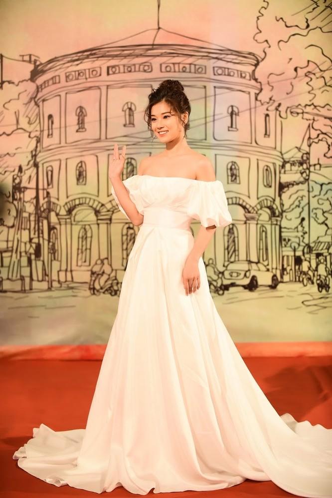 Phương Anh Đào nhận giải thưởng Nữ diễn viên chính xuất sắc ảnh 1
