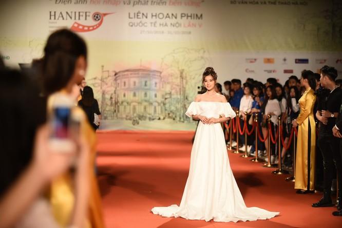 Phương Anh Đào nhận giải thưởng Nữ diễn viên chính xuất sắc ảnh 2