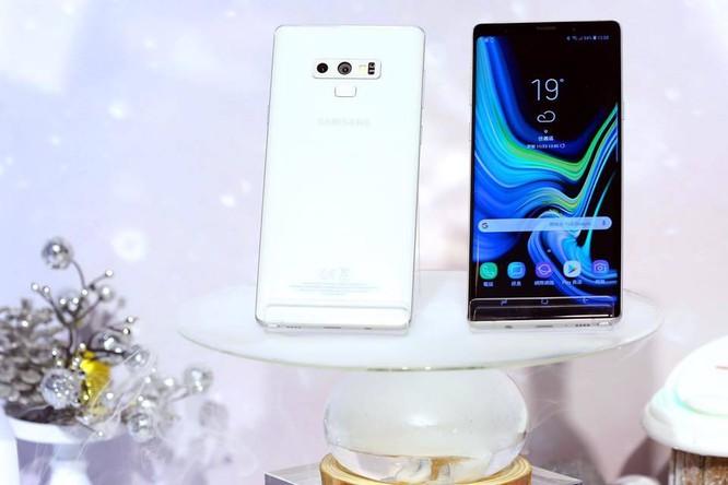 """Samsung ra mắt Galaxy Note 9 phiên bản """"Tuyết đầu mùa"""" ảnh 2"""