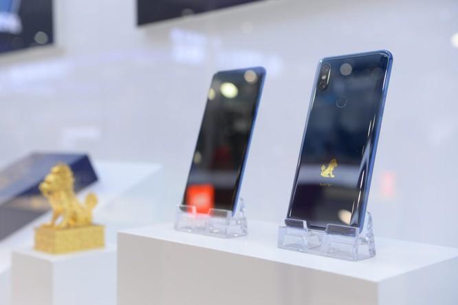 Xiaomi trình diễn điện thoại cao cấp Mi Mix 3 phiên bản 5G ảnh 1