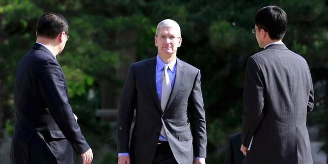 Cổ phiếu Apple sụt giảm sau khi tòa án Trung Quốc ra phán quyết cấm bán iPhone tại quốc gia này