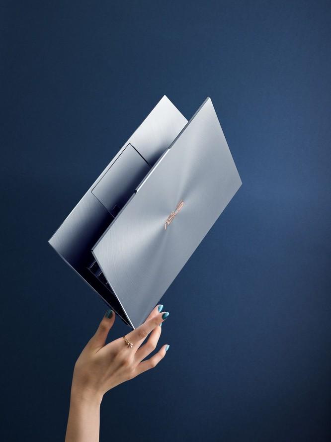 Asus đảo ngược notch để có mẫu laptop viền mỏng nhất thế giới, card đồ họa rời ảnh 1