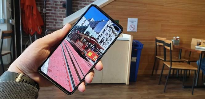 """Galaxy S10 """"có họ hàng"""" với Bphone 3? ảnh 4"""