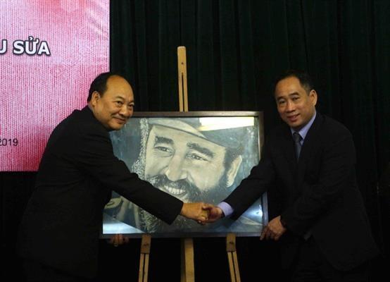 Bảo tàng Mỹ thuật Việt Nam bàn giao tác phẩm mỹ thuật sau tu sửa cho Bảo tàng Kaysone Phomvihane ảnh 5