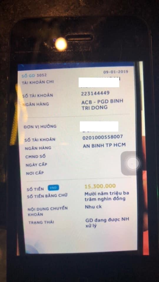 Một thương gia ở TP.HCM bị lừa mất iPhone: Cảnh báo về lỗ hổng chuyển khoản online liên ngân hàng ảnh 1