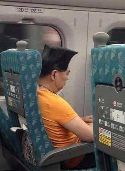 Thất tình, người đàn ông Đài Loan cắt tóc vuông và cái kết ảnh 3