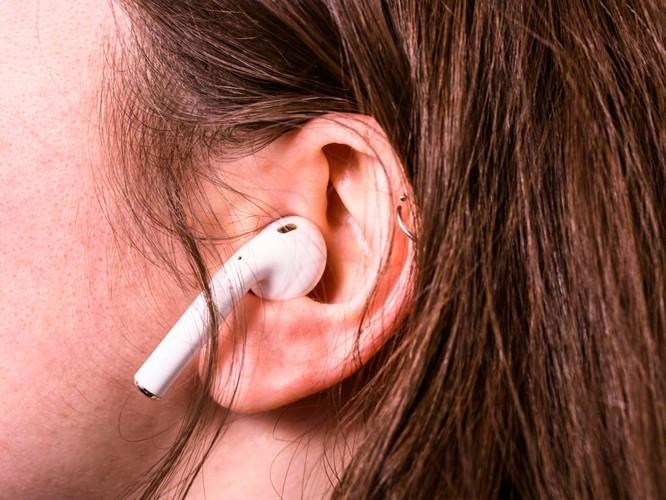 Đánh giá tai nghe không dây AirPods của Apple và Galaxy Buds của Samsung ảnh 13