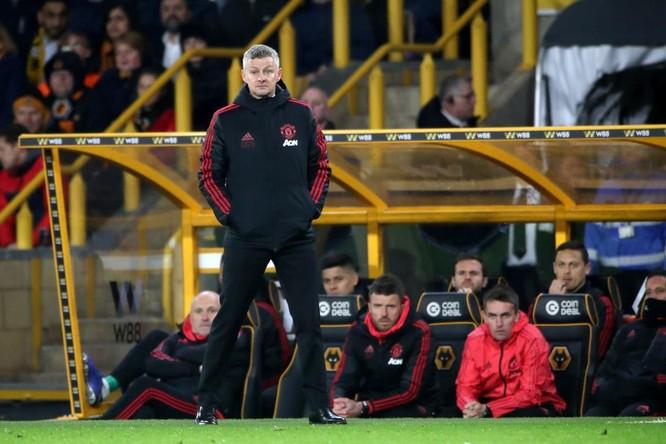 """Manchester United thua Wolverhampton: tại cầu thủ hay tại Solskjaer """"non""""? ảnh 1"""