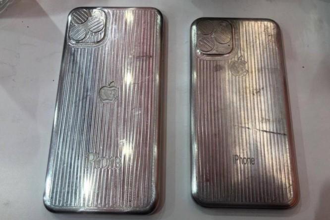iPhone 11 và iPhone 11 Max lộ diện qua khuôn đúc kim loại: thiết kế ngày càng xấu ảnh 1