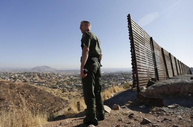 Bài 1: Sự điên rồ nơi biên giới Mỹ - Mexico ảnh 4