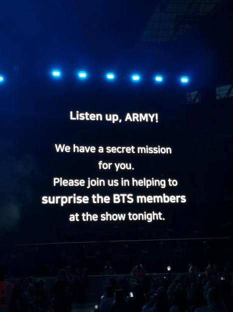 """Hơn 60.000 ARMY đã dành cho BTS bất ngờ gì tại """"thánh địa"""" Wembley mà khiến các thành viên phải bật khóc nức nở? ảnh 1"""