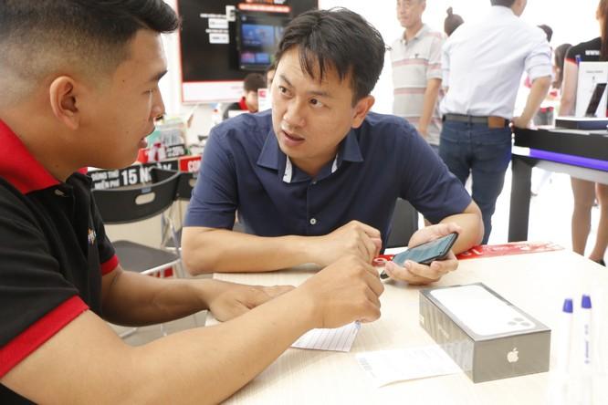 Bộ 3 iPhone 11 chính thức lên kệ tại FPT Shop cùng chương trình thu cũ đổi mới, trả trước 0 đồng và trả góp ảnh 8