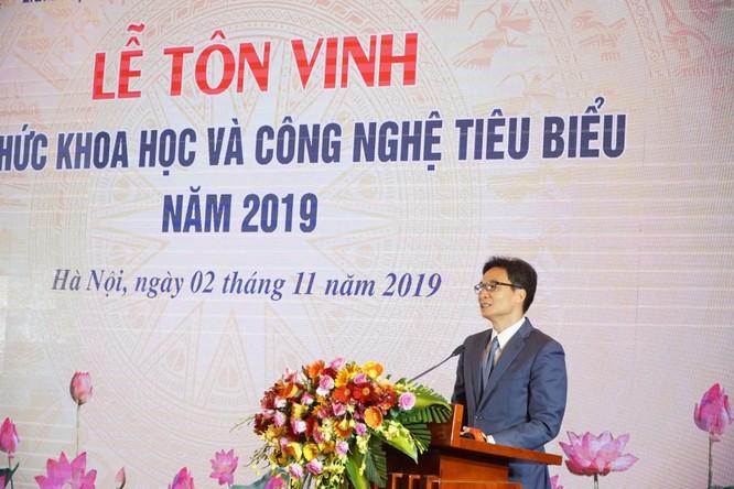 Tiến sĩ Lê Doãn Hợp – Chủ tịch danh dự Hội Truyền thông Số Việt Nam được vinh danh Trí thức Khoa học Công nghệ tiêu biểu năm 2019 ảnh 4