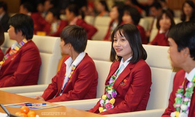 Thủ tướng Nguyễn Xuân Phúc tiếp và mở tiệc chiêu đãi hai đội bóng đá nam và nữ vừa vô địch SEA Games 30 ảnh 8