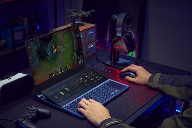 Asus bổ sung vào dòng Republic of Gamers mẫu laptop 2 màn hình độc đáo, màn hình phụ lớn tới 14,1 inch ảnh 1