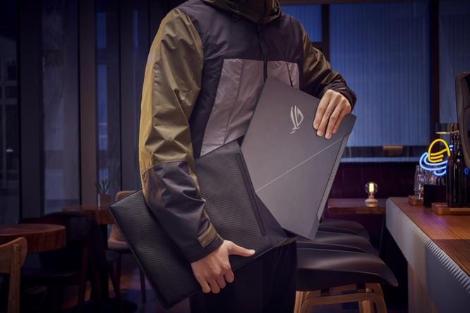 Asus bổ sung vào dòng Republic of Gamers mẫu laptop 2 màn hình độc đáo, màn hình phụ lớn tới 14,1 inch ảnh 3