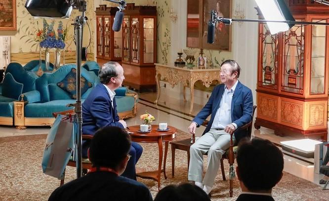 """Kỳ 3: ông Nhậm Chính Phi trả lời báo Đức về nguy cơ chiến tranh lạnh và """"khắc tinh"""" Donald Trump ảnh 3"""