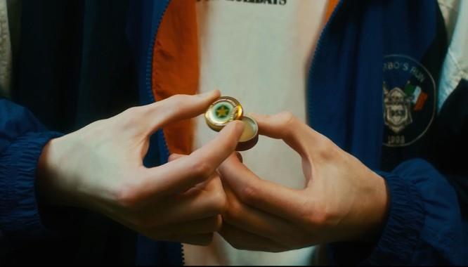 """Cư dân mạng mạng """"choáng váng"""" với clip quảng cáo Cao Sao Vàng như món hàng thượng lưu ảnh 7"""