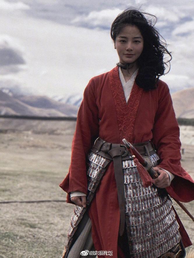 Dân mạng Trung Quốc xuýt xoa vì diễn viên võ thuật đóng thế vai Mulan xinh đẹp hơn cả Lưu Diệc Phi ảnh 1