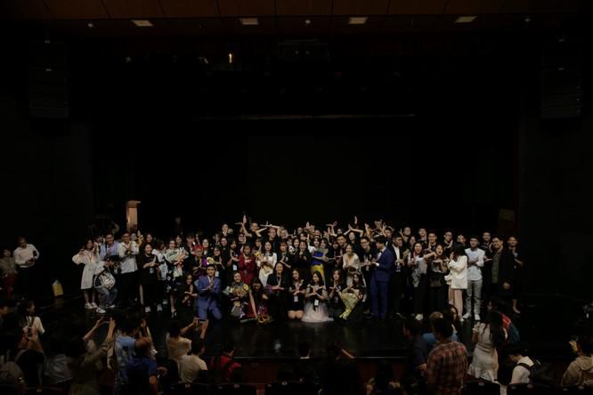 Huyễn Ảnh - vở diễn đầy cảm xúc của những học sinh trung học trên sân khấu kịch chuyên nghiệp ảnh 4