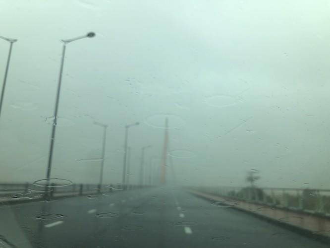 Cập nhật bão số 9: Những hình ảnh mới nhất từ Đà Nẵng ảnh 11