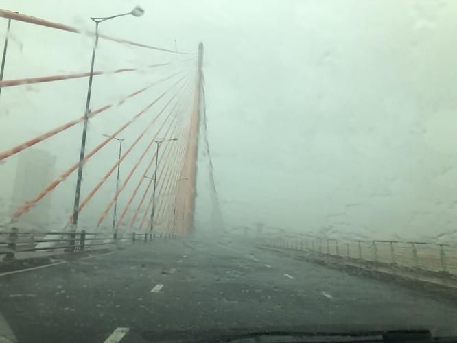 Cập nhật bão số 9: Những hình ảnh mới nhất từ Đà Nẵng ảnh 10