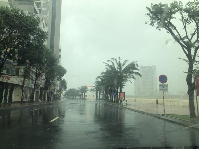 Cập nhật bão số 9: Những hình ảnh mới nhất từ Đà Nẵng ảnh 13