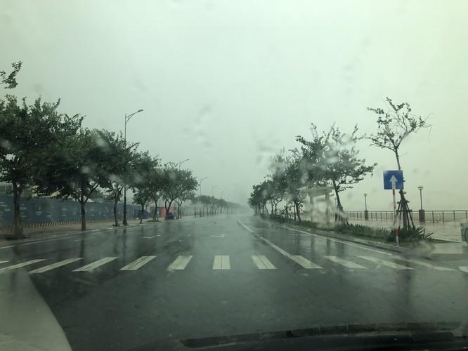 Cập nhật bão số 9: Những hình ảnh mới nhất từ Đà Nẵng ảnh 14