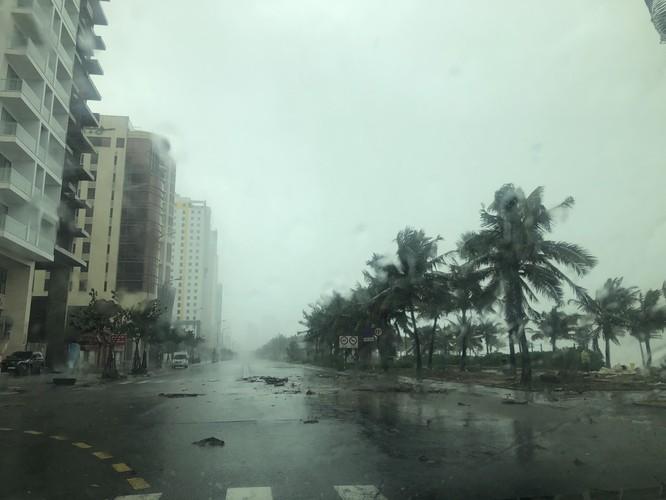 Cập nhật bão số 9: Những hình ảnh mới nhất từ Đà Nẵng ảnh 5