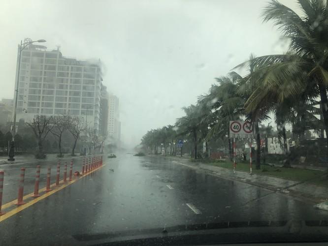 Cập nhật bão số 9: Những hình ảnh mới nhất từ Đà Nẵng ảnh 3