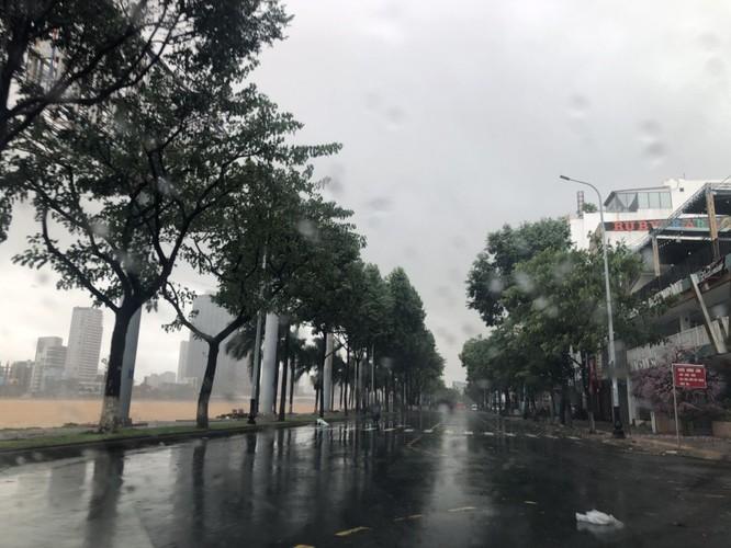 Cập nhật bão số 9: Những hình ảnh mới nhất từ Đà Nẵng ảnh 9