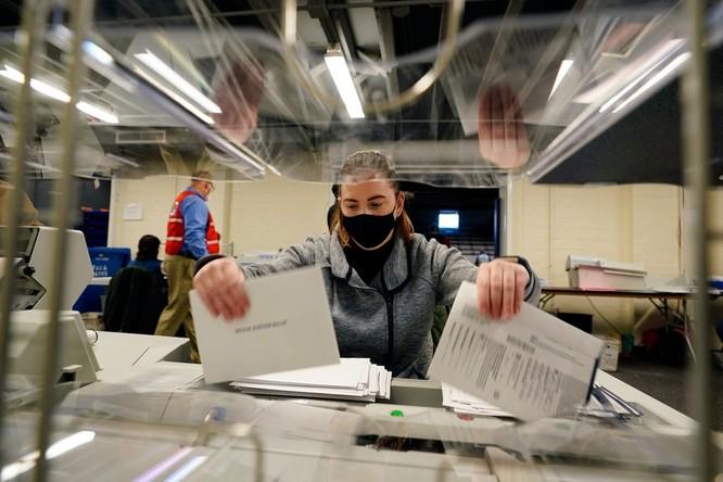Bầu cử TT Mỹ 2020: Chỉ cần 6 phiếu đại cử tri nữa, ông Biden sẽ là Tổng thống thứ 46 của Mỹ ảnh 27