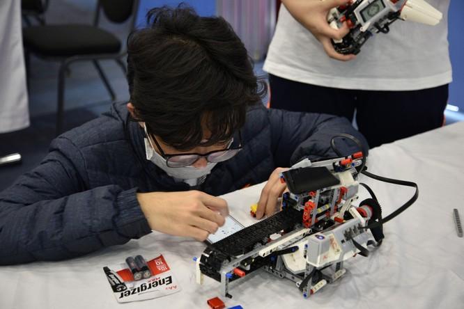 Tech Fair 2021 - Triển lãm khoa học và công nghệ thu hút các bạn trẻ Hà Nội ảnh 2