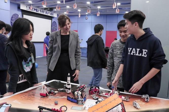 Tech Fair 2021 - Triển lãm khoa học và công nghệ thu hút các bạn trẻ Hà Nội ảnh 9