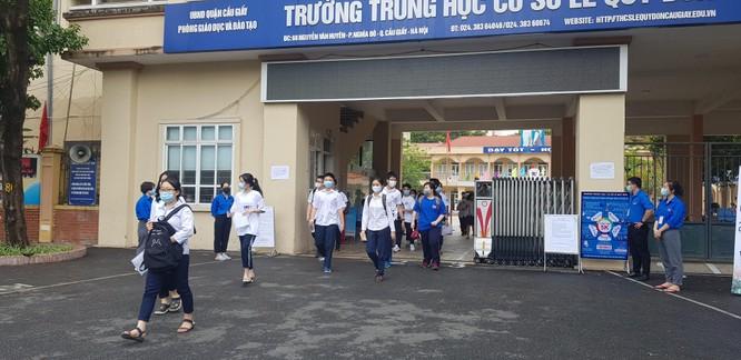 Sáng nay 12/6, 93.000 thí sinh Hà Nội đã bước vào kỳ thi tuyển sinh THPT công lập ảnh 12