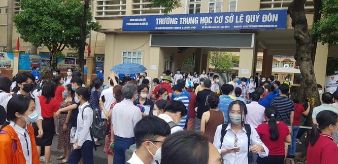 Sáng nay 12/6, 93.000 thí sinh Hà Nội đã bước vào kỳ thi tuyển sinh THPT công lập ảnh 16