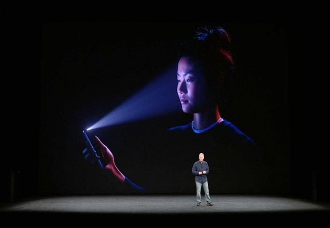 Công bố ra mắt iPhone X (Ảnh Apple)