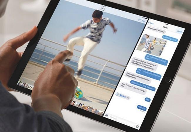 Màn hình iPad được tách để sử dụng hai ứng dụng đồng thời