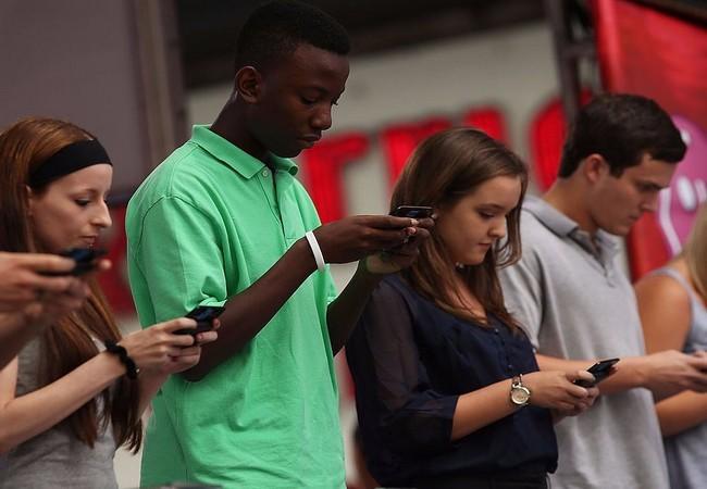 Chúng ta phải thích nghi với công nghệ như thế nào chắc chắn là một lựa chọn (Ảnh Getty)
