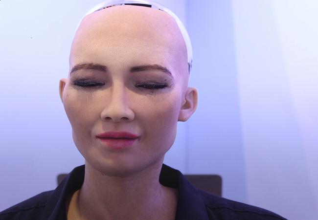 Chân dung Sophia - công dân robot đầu tiên trên thế giới ảnh 10