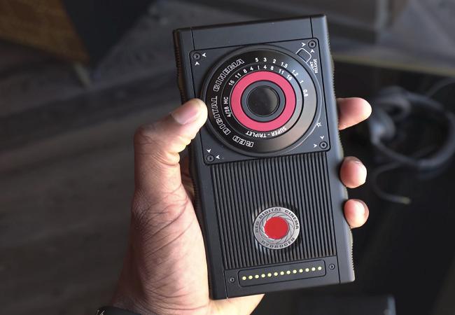 """Chiêm ngưỡng smartphone trị giá 1.200 USD của hãng có cái tên """"lạ hoắc"""" RED ảnh 8"""