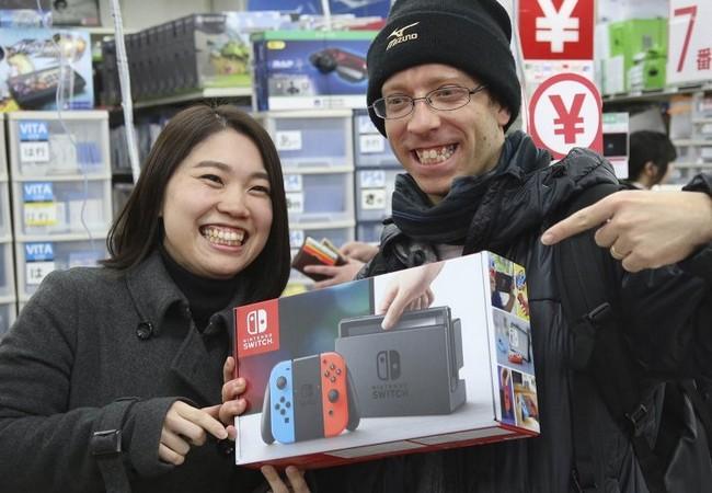 Không phải PS4 hay Xbox, Nintendo Switch mới là chiếc máy các game thủ cần trong năm 2018 ảnh 2