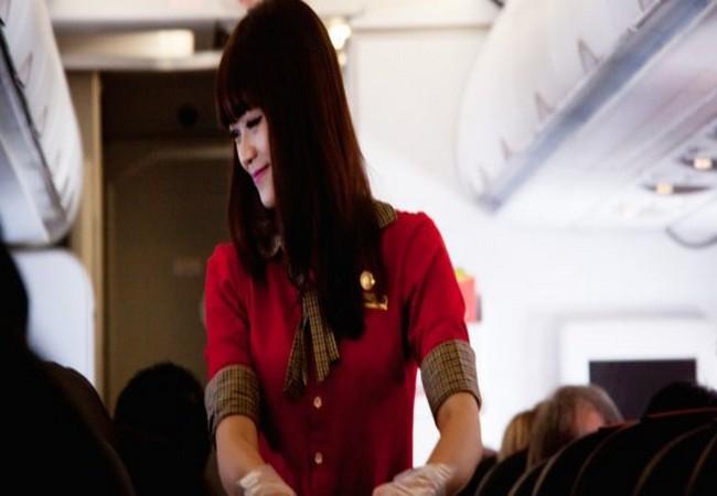 Tiếp viên hàng không tiết lộ 15 bí quyết để bạn có một chuyến bay trên cả tuyệt vời ảnh 1