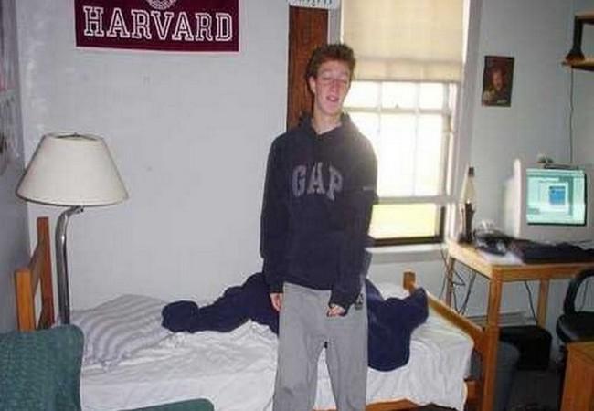Mark Zuckerberg – từ một cậu sinh viên trong ký túc xá Harvard trở thành người chi phối cả thế giới như thế nào? ảnh 7