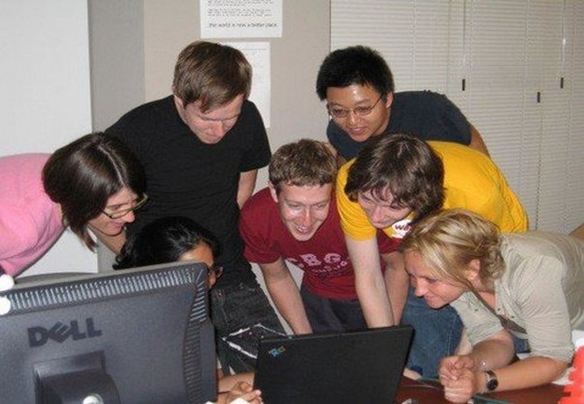 Mark Zuckerberg – từ một cậu sinh viên trong ký túc xá Harvard trở thành người chi phối cả thế giới như thế nào? ảnh 15