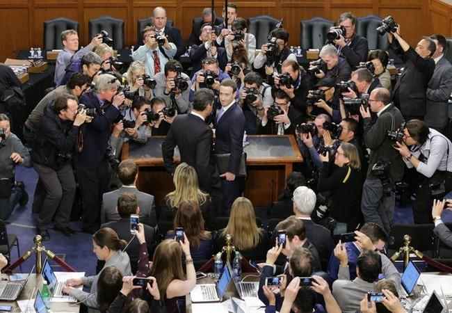 Mark Zuckerberg – từ một cậu sinh viên trong ký túc xá Harvard trở thành người chi phối cả thế giới như thế nào? ảnh 35