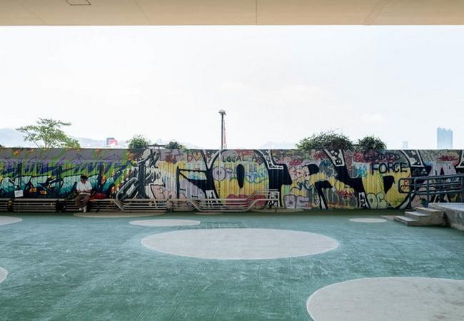 Độc đáo những ngôi nhà ống cống 10m2 – giải pháp hiệu quả về nhà ở cho thành phố đắt đỏ nhất thế giới ảnh 1