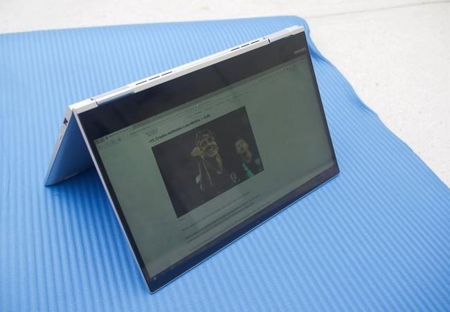 Đánh giá nhanh laptop Lenovo Yoga Book 730 ảnh 3